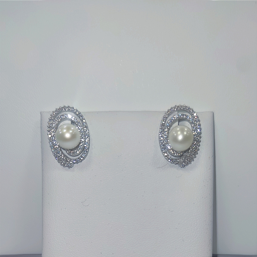 Orecchini in oro e perla