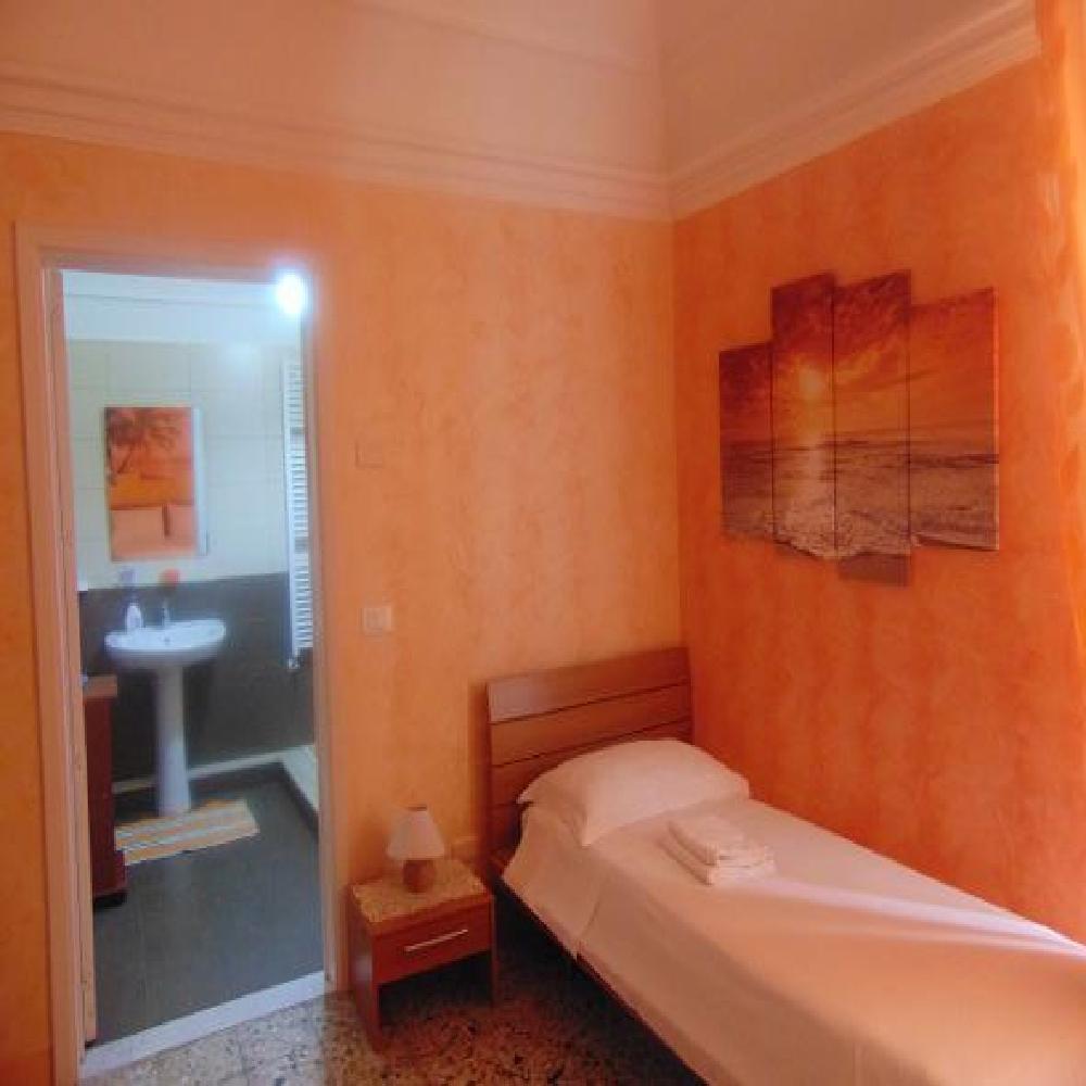 Stanza Arancione Ibisco