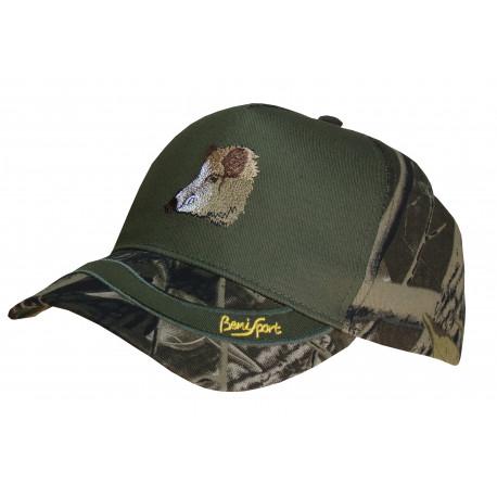 Cappello con logo in rilievo
