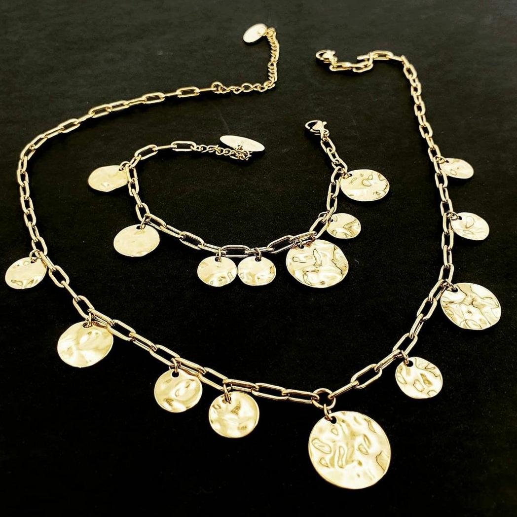 Collana girocollo oro con pendenti effetto martellato Rush