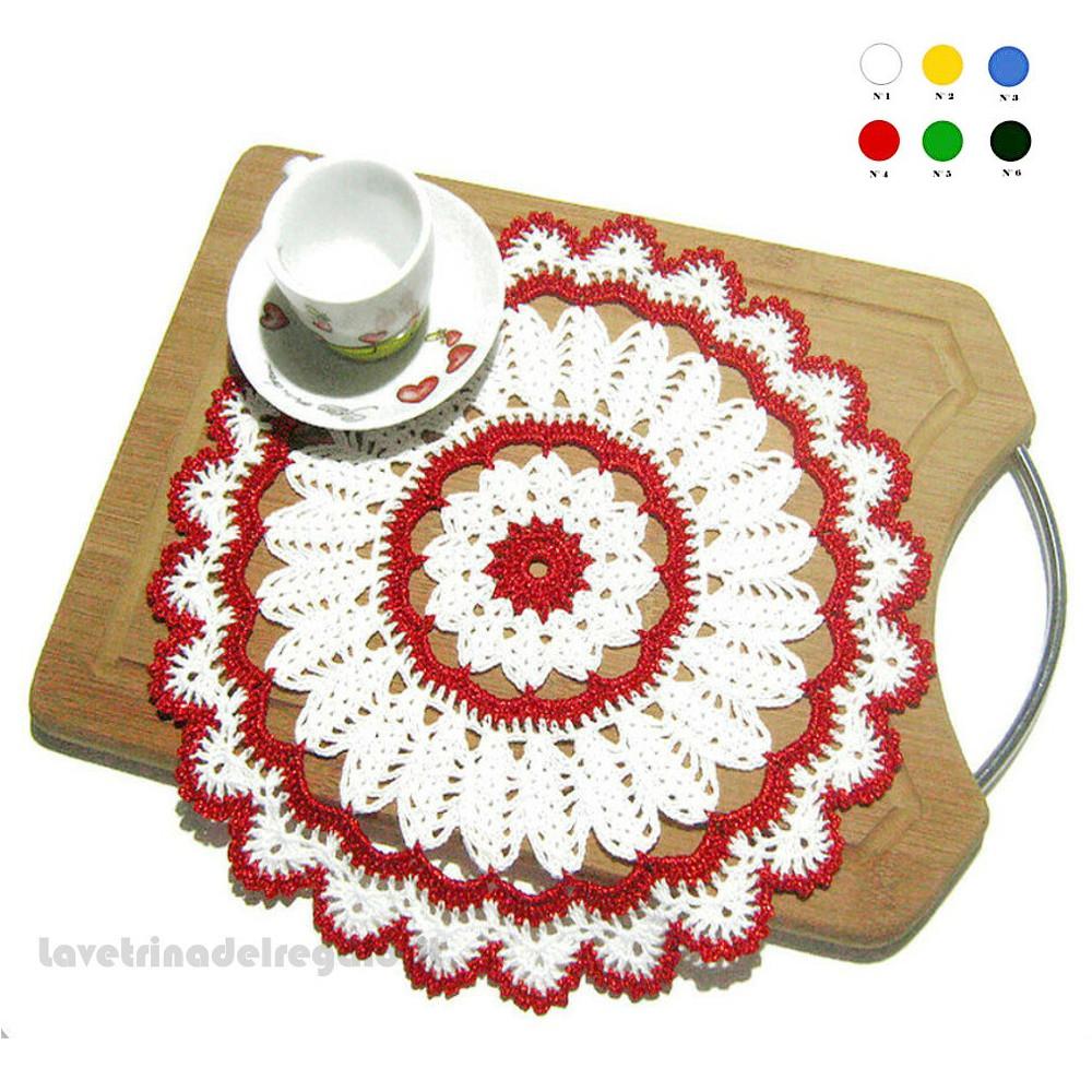 Centrino di Natale ad uncinetto bianco e rosso 26.5 cm - Handmade in Italy