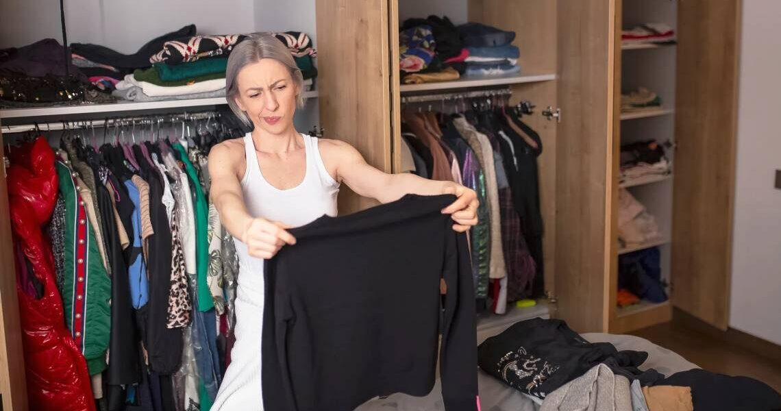 Decluttering vestiti: come farlo al meglio