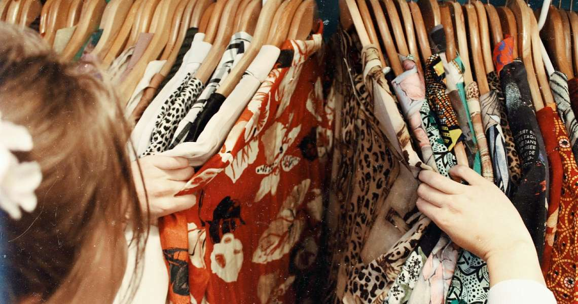 Come vestirsi vintage: tutti i consigli per uno stile retrò d'abbigliamento