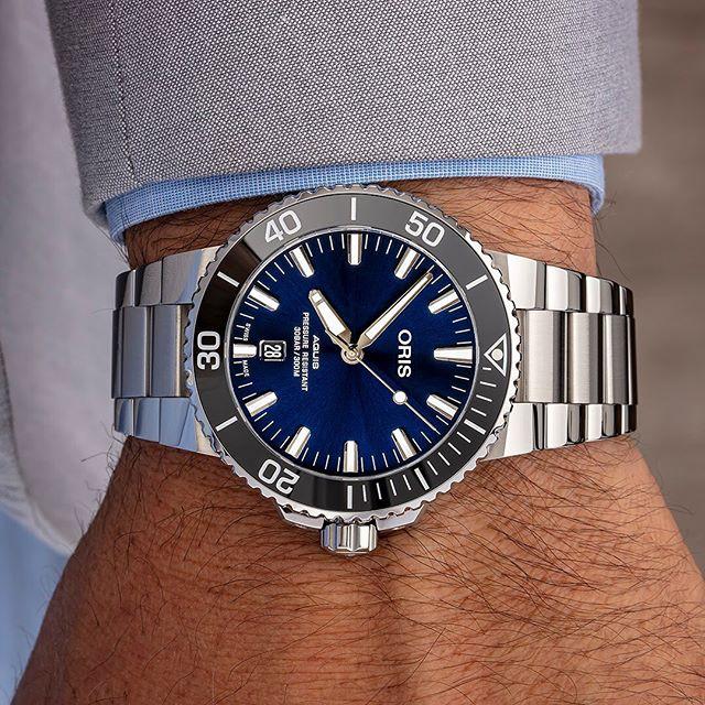 Orologio Oris Aquis Date Blue Dial