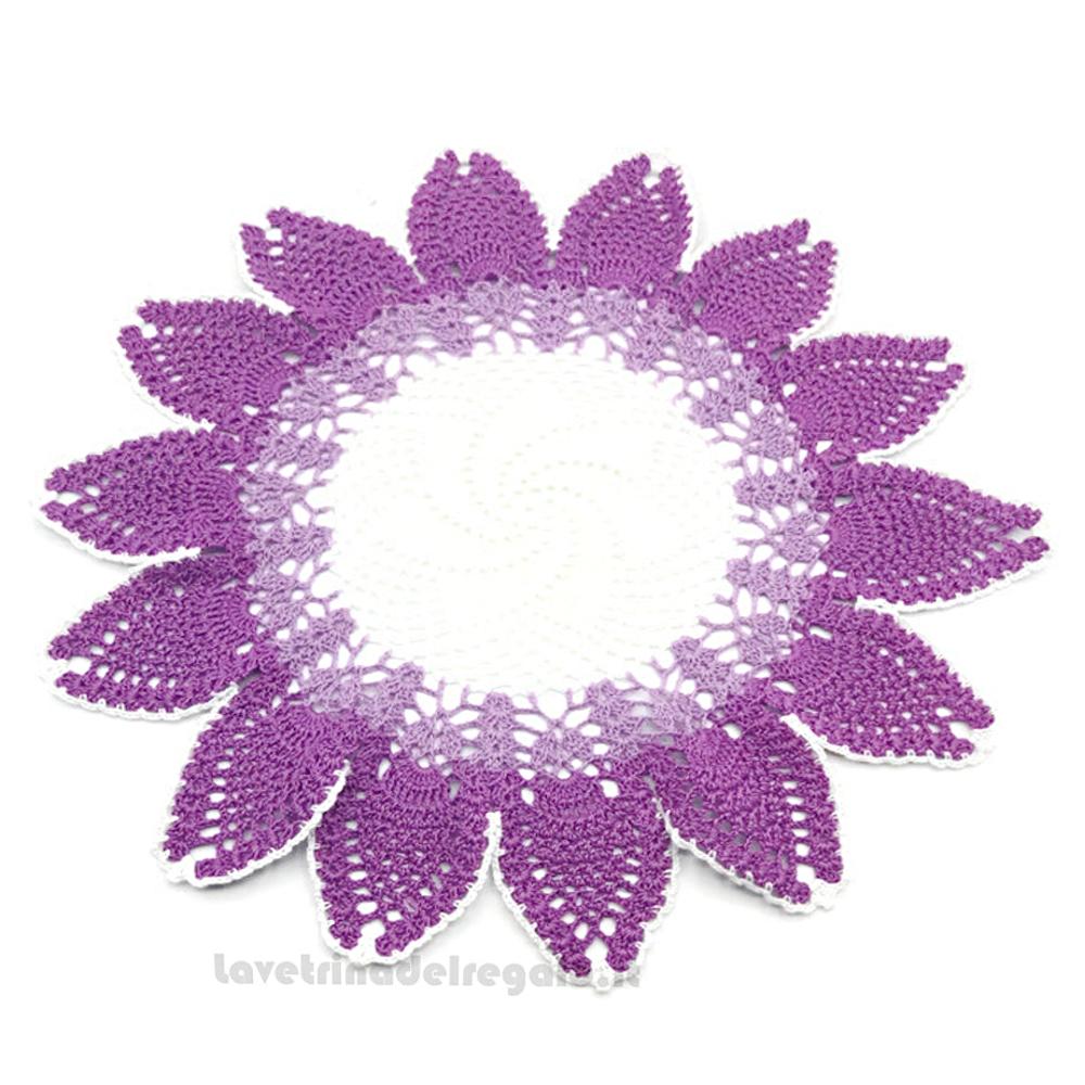 Centrino Bianco Lilla e Viola rotondo ad uncinetto 42 cm - Handmade in Italy