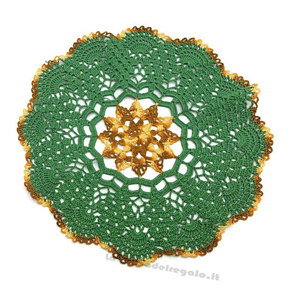 Centrino verde e marrone sfumato rotondo ad uncinetto 35 cm - Handmade in Italy