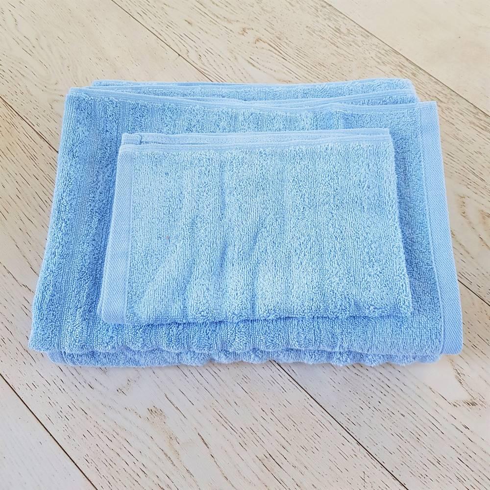 Asciugamano azzurro effetto onda