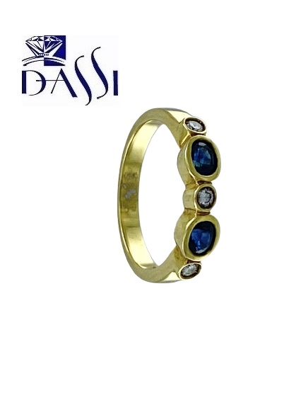 Anello in oro giallo con diamanti alternati a smeraldi, zaffiri o rubini