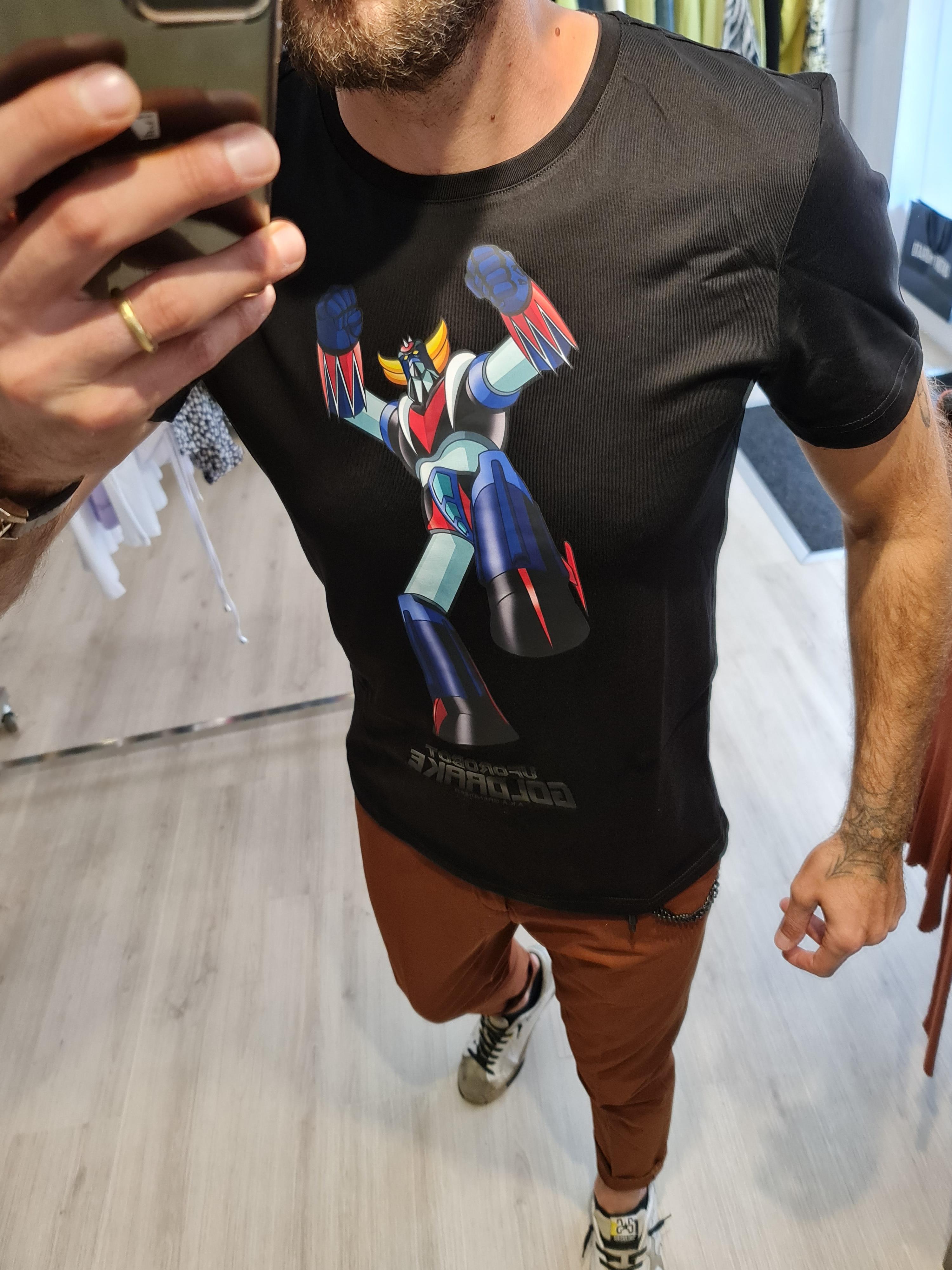 T shirt uforobot