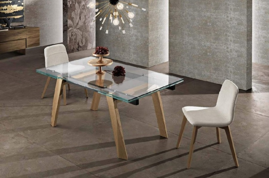 Tavolo Yuri allungabile in legno massello e piano vetro