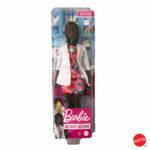 Barbie - Bambola Dottoressa Castana Riccia con Stetoscopio, Vestiti e AccessorI