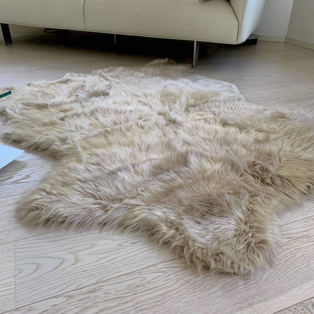 Tappeto pelliccia ecologia 130 x 150 miele