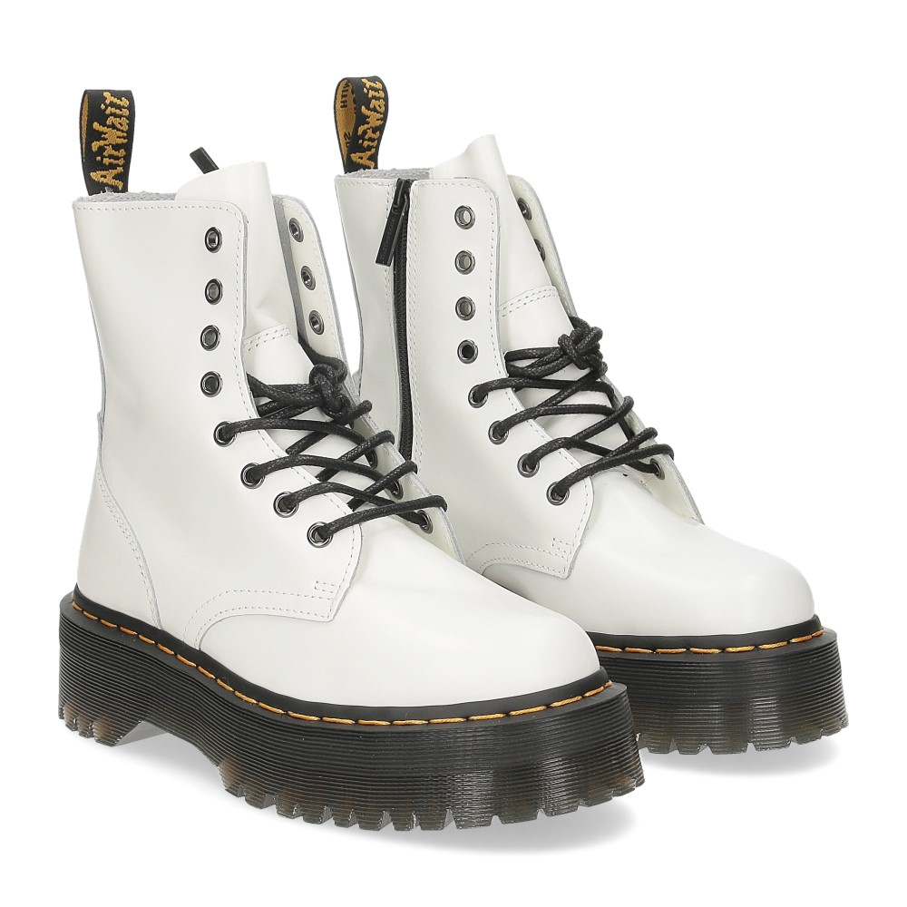 Dr. Martens Anfibio Jadon White polished smooth