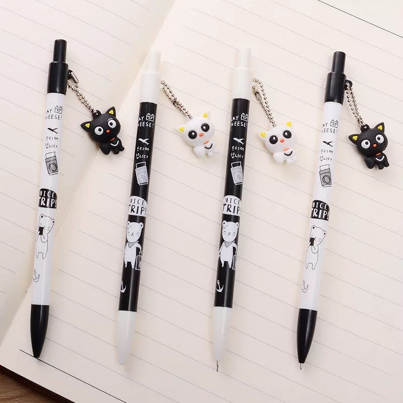 matita con gattino appeso