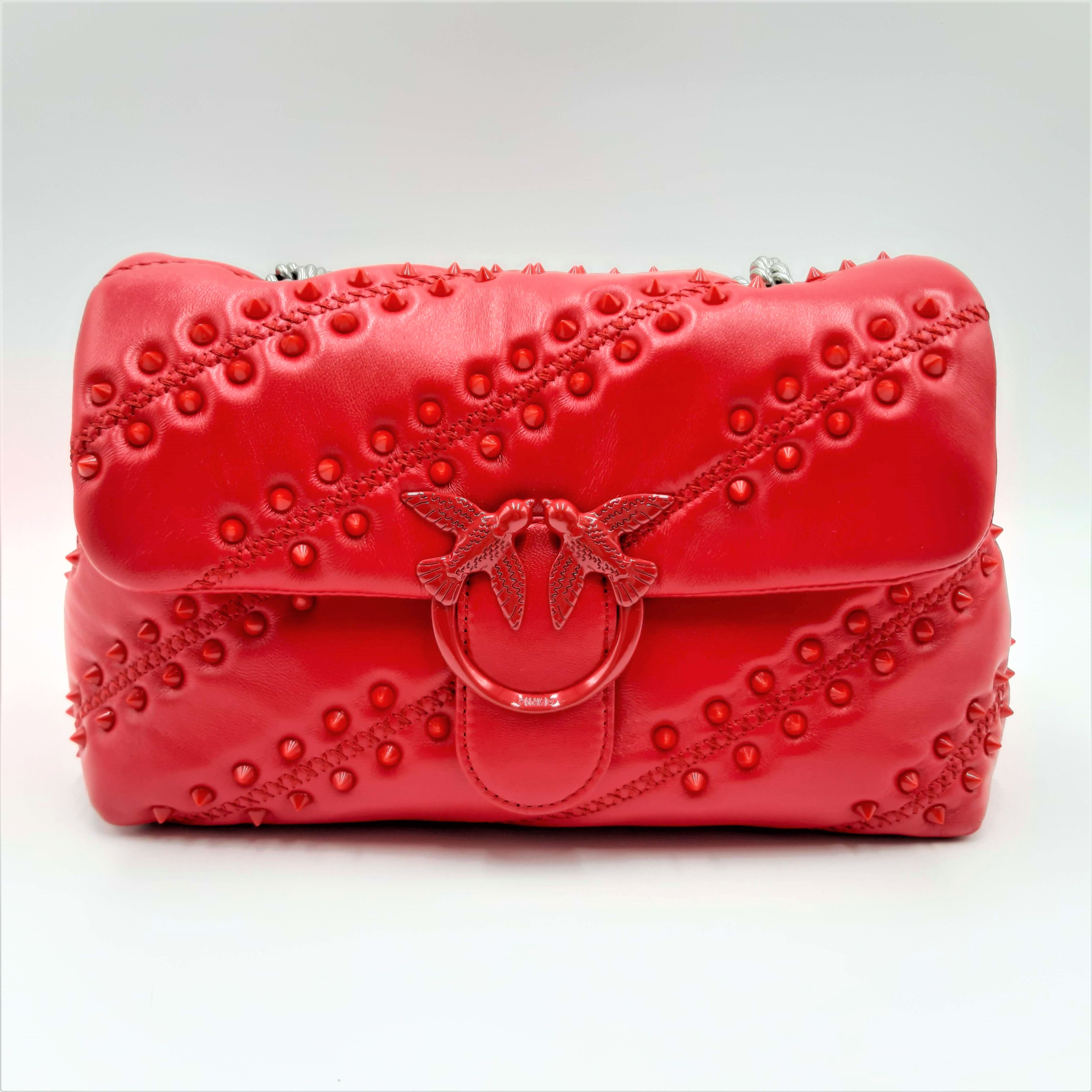 Borsa Love Classic Puff Soft Studs rossa Pinko