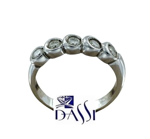Anello fedina riviere in oro bianco 18kt con diamanti