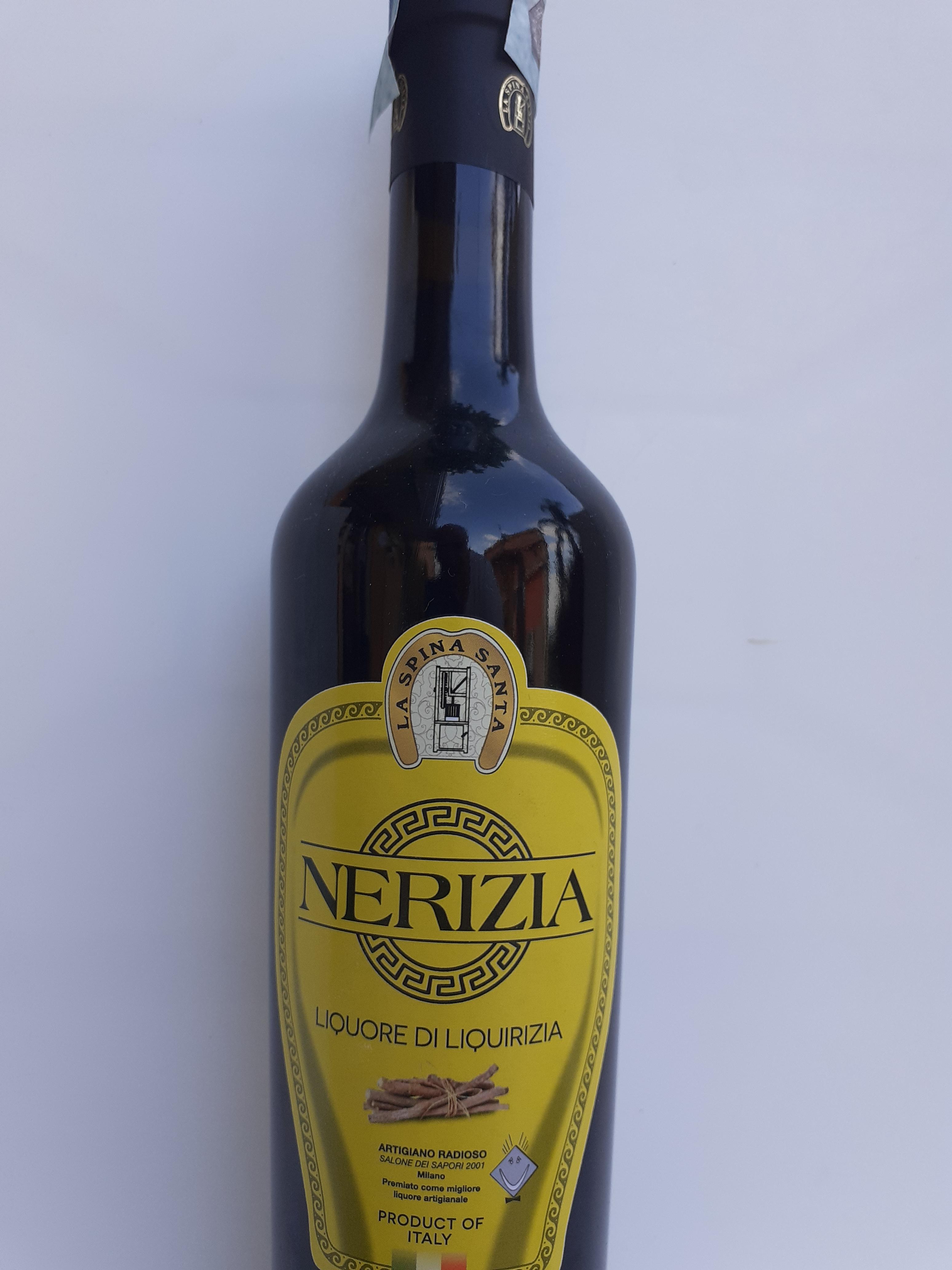Liquore NERIZIA 50cl. Liquore fatto con puro estratto di liquirizia di Reggio Calabria, alcool neutro, acqua e zucchero. Ditta La Spina Santa Bova Marina (RC)