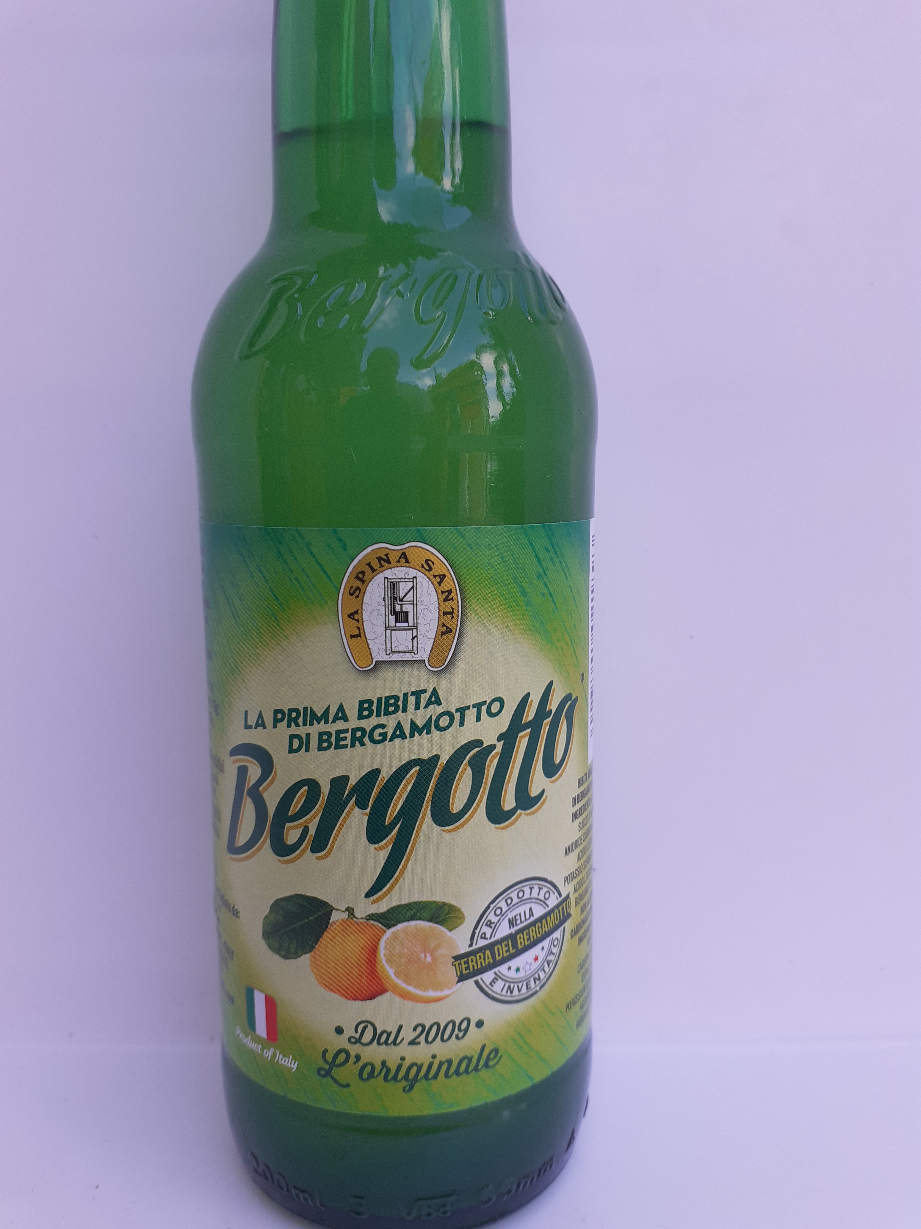 Bibita Bergotto al Bergamotto di Reggio Calabria  20cl fatto con acqua, zucchero e succo di Bergamotto 20%. Ditta La Spina Santa Bova Marina (RC)
