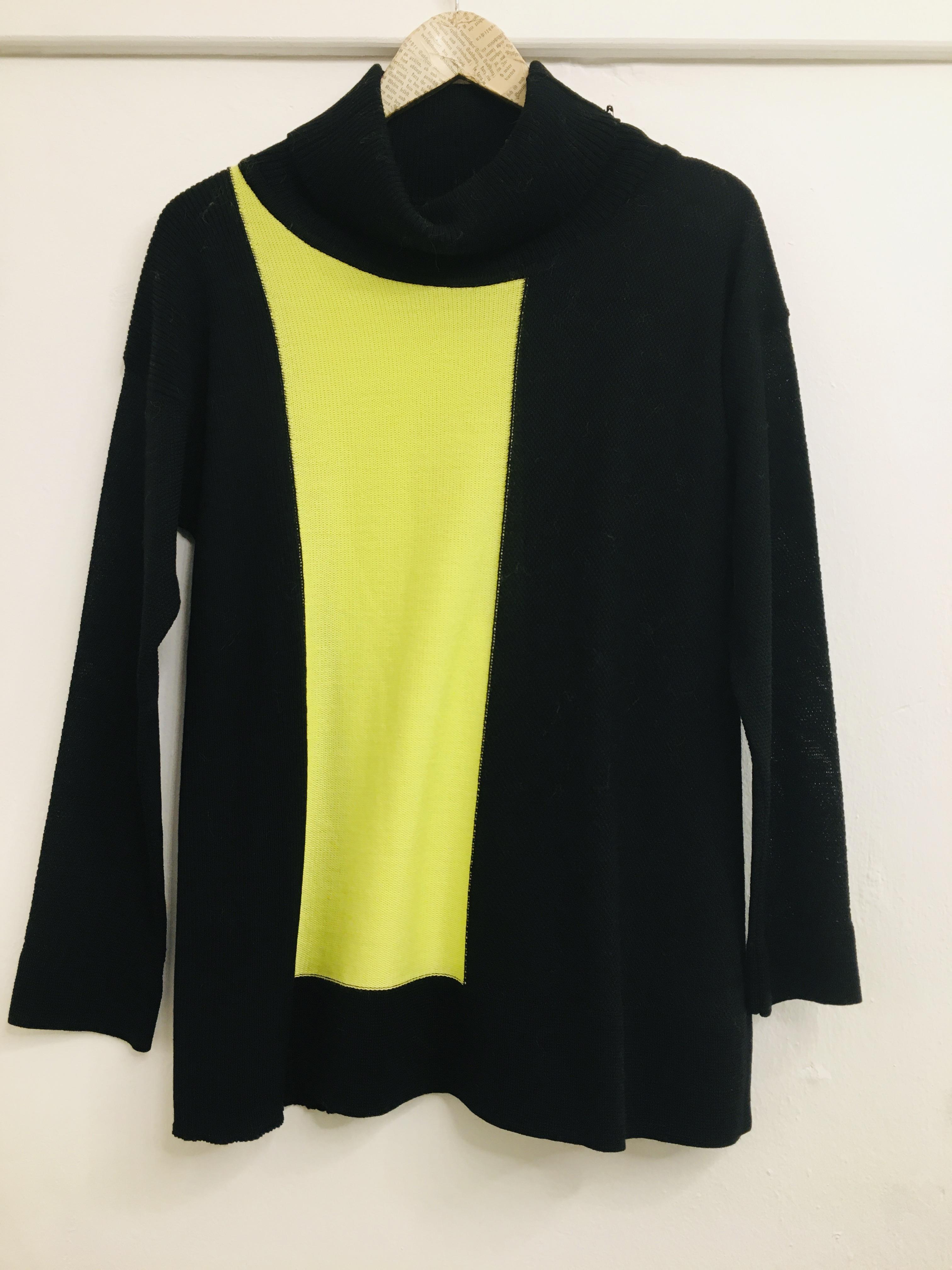 Maglia donna  in lana  collo a dolcevita  nera e gialla  manica lunga  made in Italy