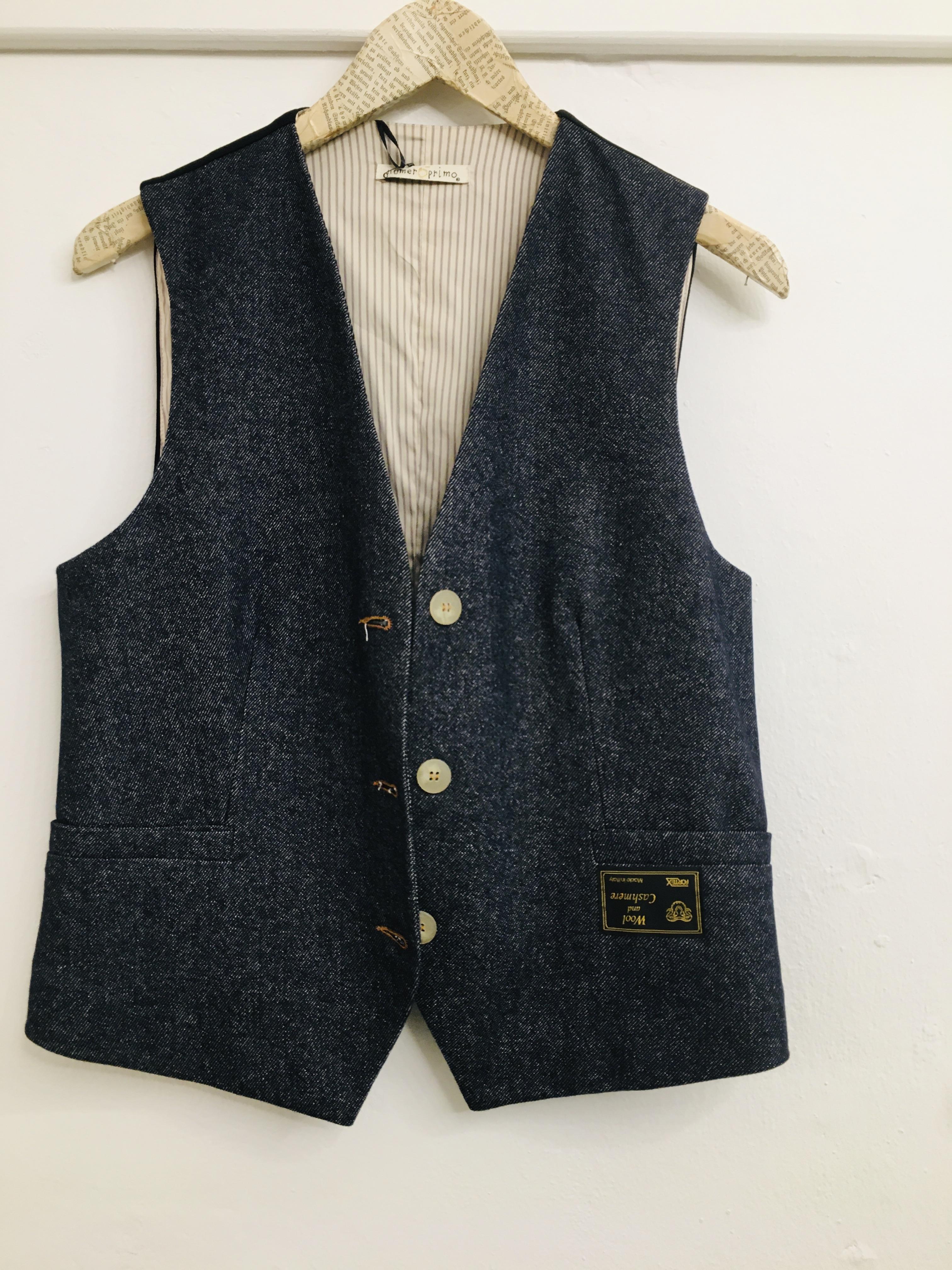 Gilet donna| in lana e cashmere sul davanti| in tessuto tecnico sul retro| made in Italy
