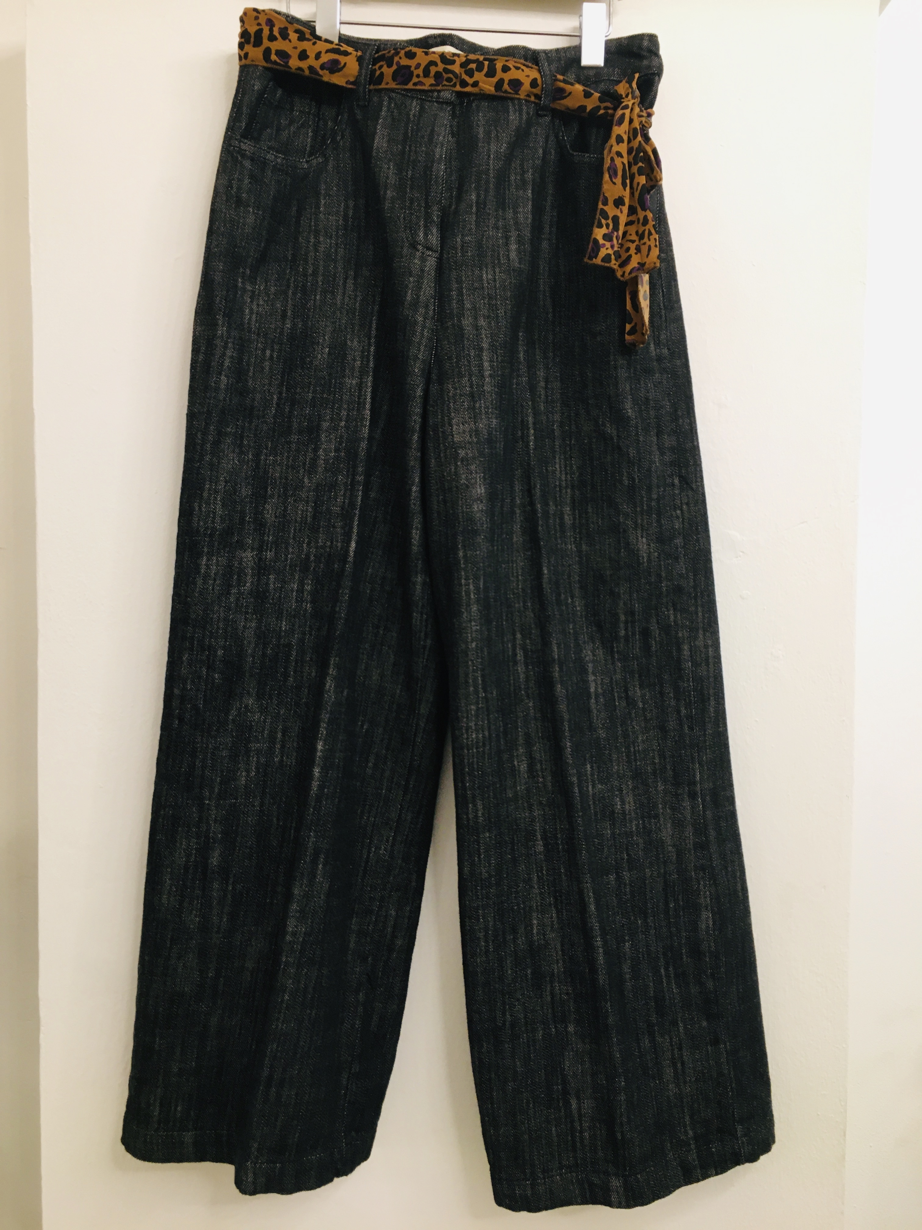 Pantalone donna  grigio antracite  modello cropped  con foulard in vita  made in Italy