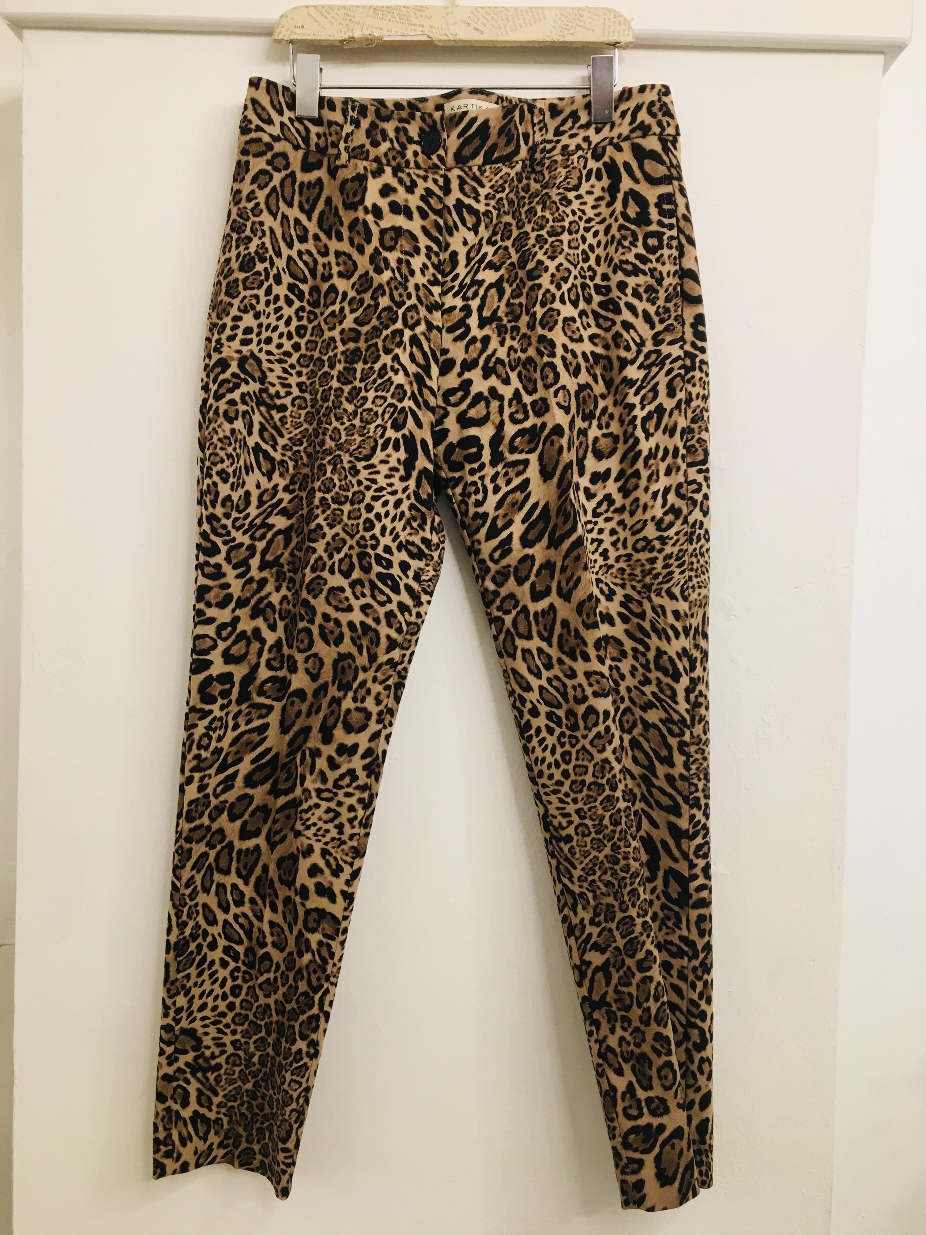 Pantalone donna| fantasia animalier| taglio a sigaretta|con due tasche frontali| made in Italy