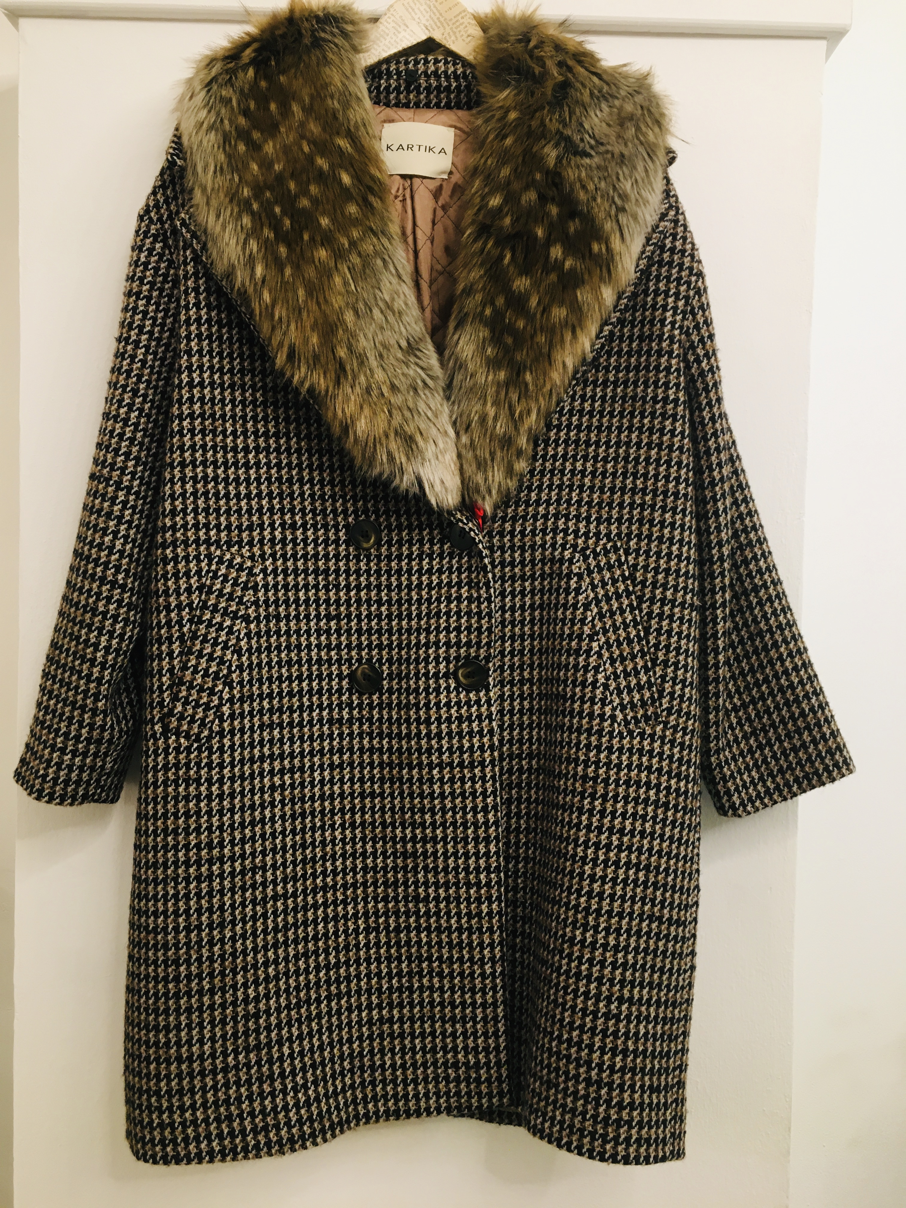 Cappotto donna  in lana  collo ecopelliccia  doppiopetto  nero,marrone e bianco  made in Italy
