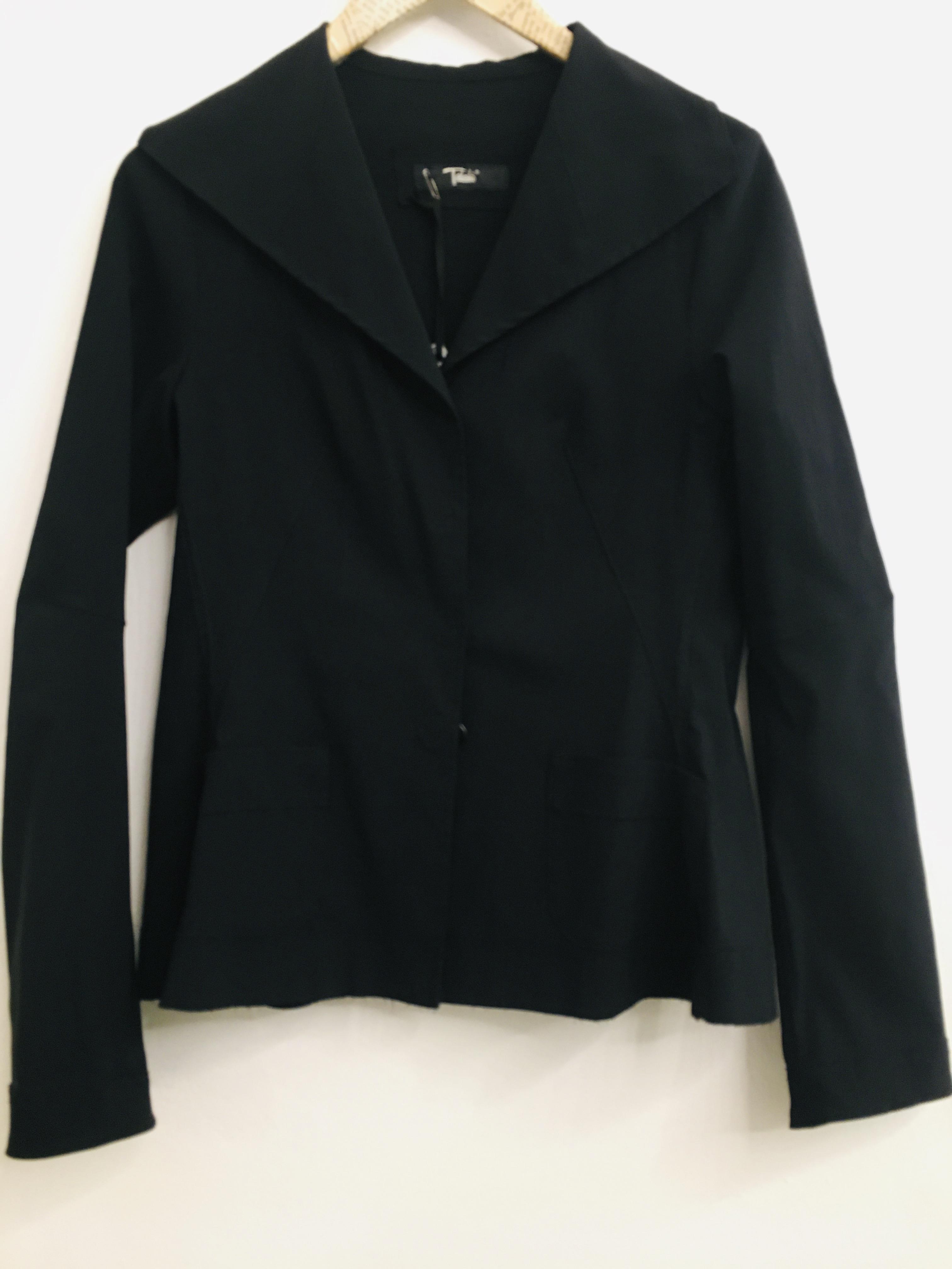 Blazer donna| nero| in tessuto tecnico| con bottoni|  con tasche frontali| made in Italy