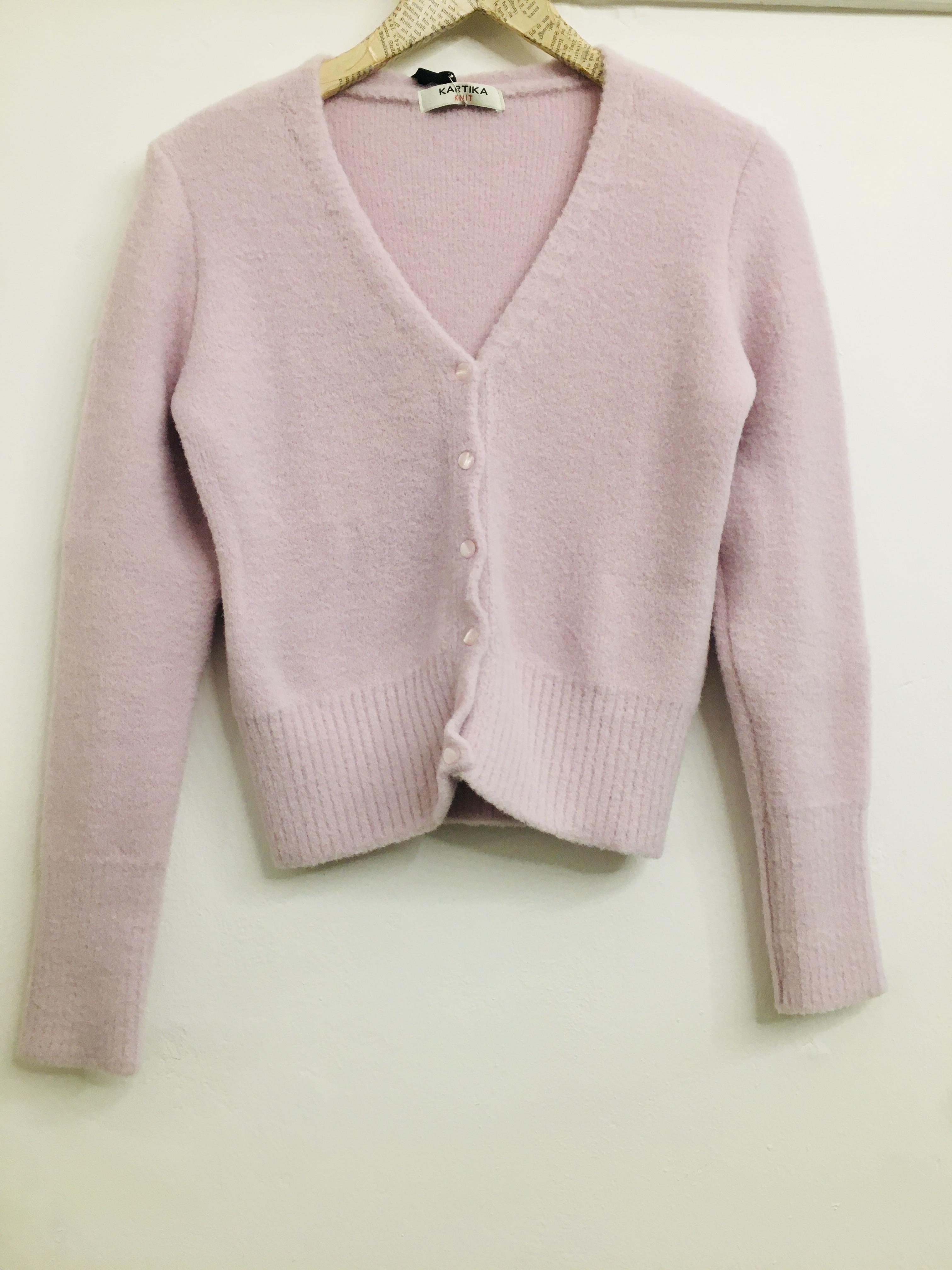Cardigan donna  rosa pallido  con bottoni  scollo a V  modello