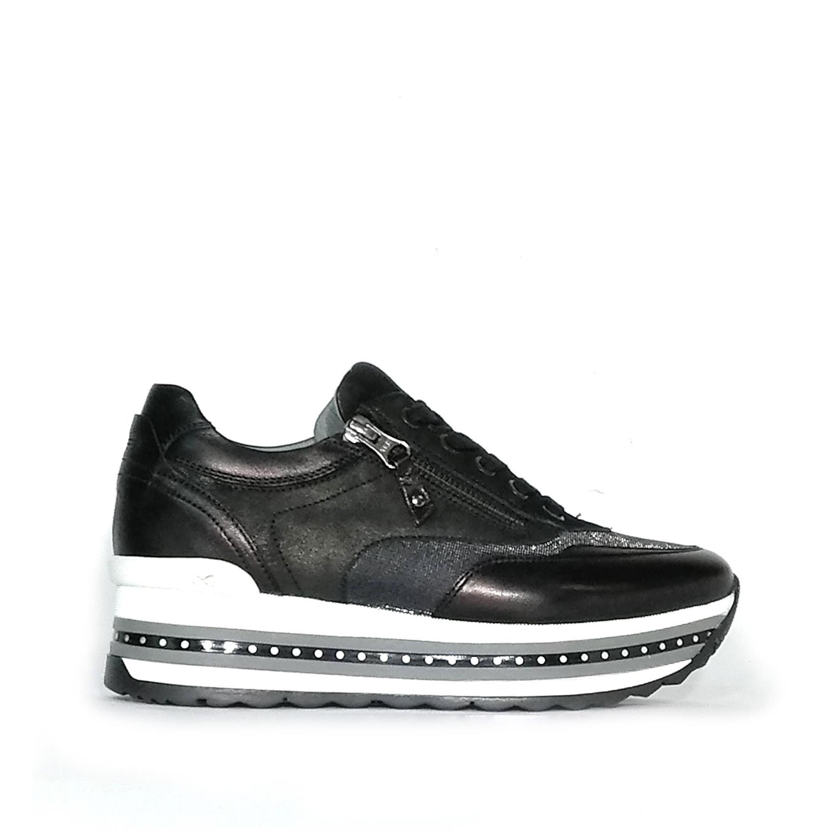 Sneaker nera con fondo platform multistrato Nero Giardini